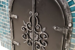 Дверь каминная