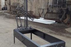 Ритуальное надгробие и крест