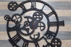 Настенные часы из металла